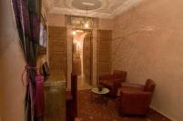 La suite de la Sultane Le coin salon avec la télévision écran plat