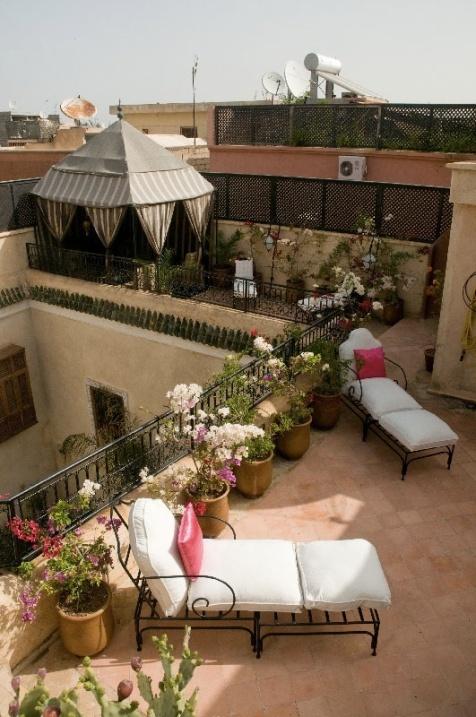 """La terrasse côté """" Tente du Désert"""""""