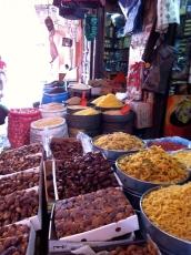 Fruits secs et épices Importants, dans la savoureuse cuisine Marocaine.